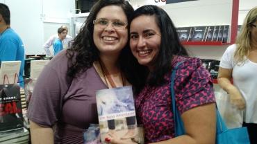 Com a autora Cinthia Freire